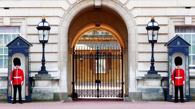 buckingham-palace-978830_640