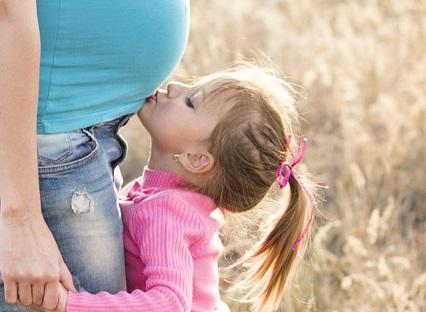 foto bacio pancione