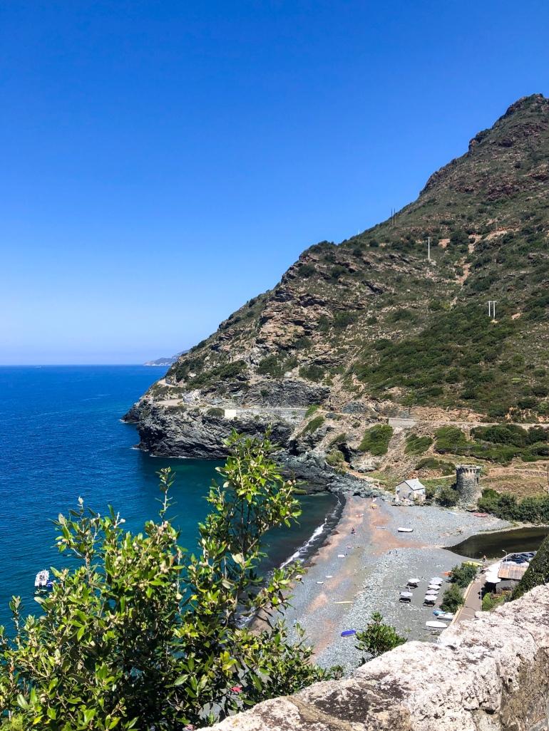 La spiaggia di Nonza, in Corsica del Nord