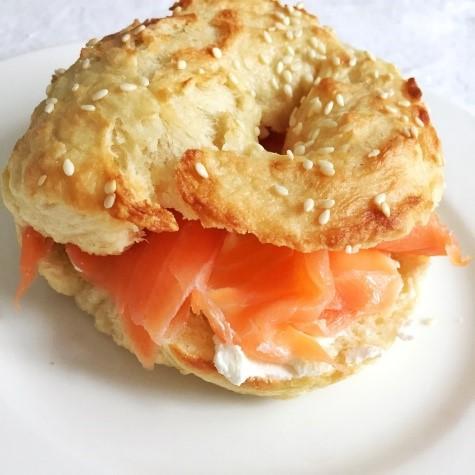 bagel con salmone per brunch