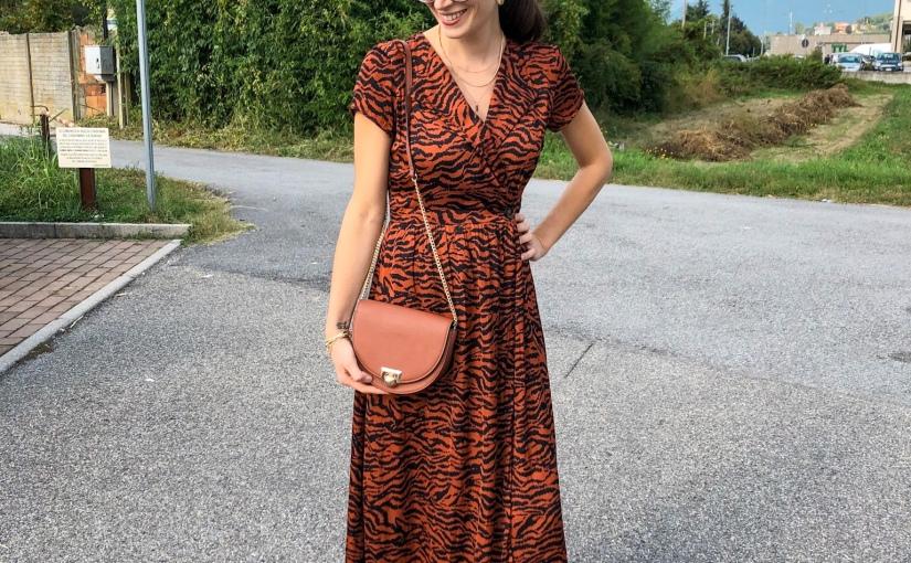 Una settimana di outfit premaman: come vestirsi per il lavoro quando sei incinta di 5mesi