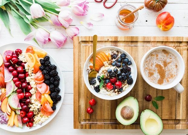 9 colazioni energetiche e sane per le mamme (da preparare inanticipo)