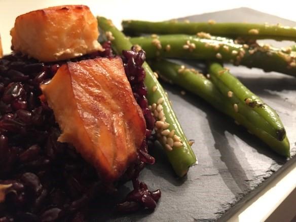 Salmone al forno velocissimo, la ricetta che si prepara in 20minuti